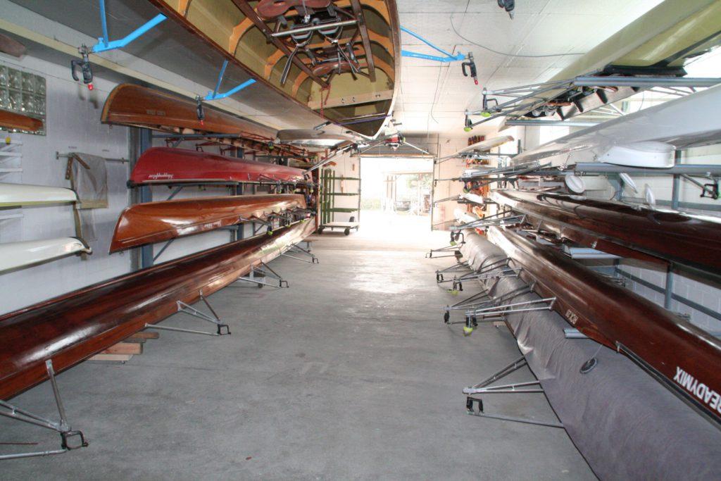 In der Nebenbootshalle sind unter anderem die beiden Achter und die Werkstatt untergebracht.